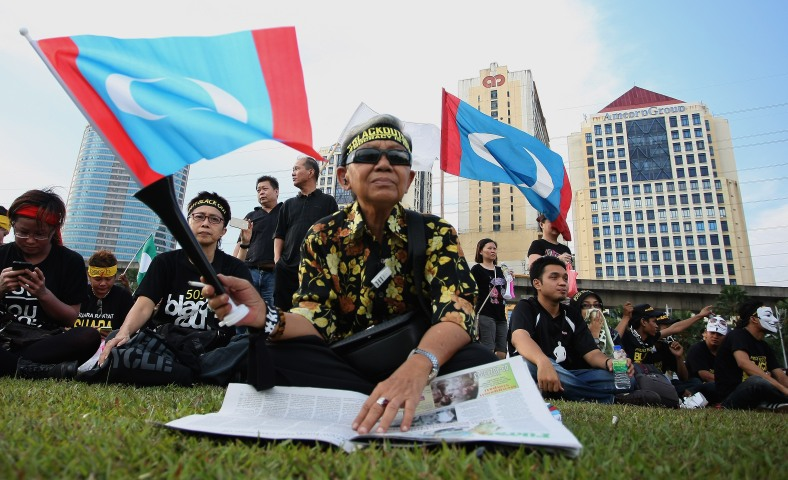 Demonstrators gathered during the 505 Assembly People's Voice at Padang timur, Amcorp Mall. Over ten thousand opposition supporters joined the rally in protest against the decision of the General Election 13th alleged vote fraud occurred. Photo Adib Rawi Yahya