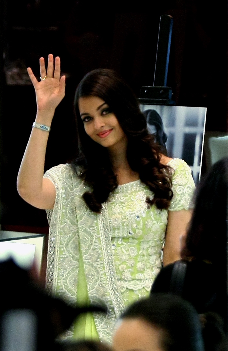 KUALA LUMPUR 14 June 2013. Bollywood actress and former miss world, Aishwarya Rai waving his hand to the camera during grand opening first longines boutique in Malaysia at Pavilion shopping mall. Photo Adib Rawi Yahya