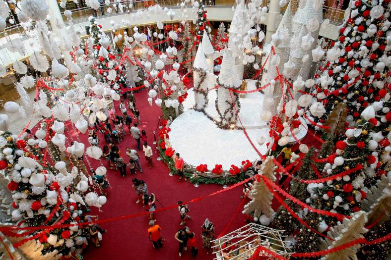 A general view of Christmas decorations at a shopping mall inside Kuala Lumpur on 18 December, 2013. Christmas is the biggest festival of Christians, is celebrated every year on December 25 to commemorate the birth (in which the facts, the date is not the date of his birth) Jesus Christ, also known as Jesus of Nazareth, the founder of the Christian message. According to the Bible, New Testament, Jesus was born to Mary (Virgin Mary) in Jerusalem. Christians believe that Jesus' birth was within Judaism predictions about the coming of a savior (Messiah) from a chronology of King David, whose coming was to redeem mankind from Adam's sin (original sin). Photo Adib Rawi Yahya
